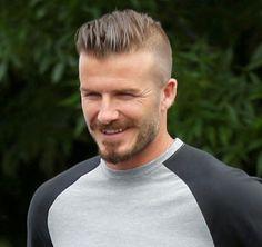 Beckham .. le footballeur a cause de qui j'ai un budget coiffeur un peu trop élevé.. j'avais les cheveux rasé et j'ai laissé poussé  pour faire comme lui .. Je m'y suis adapté .. Bizarrement c'est pour moi l'un des seuls footballeurs à incarné vraiment la mode