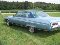 Make:  Buick Model:  Electra Year:  1976 Exterior Color: Blue Interior Color: Blue Vehicle Condition: Good   For More Info Visit: http://UnitedCarExchange.com/a1/1976-Buick-Electra-1062205276726