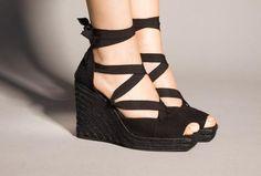 Espadrilles, sandalias de esparto con plataforma...Quién dijo que no eran elegantes?