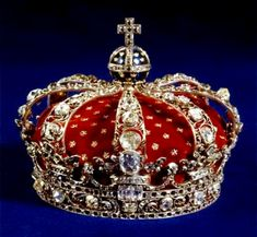 Royal crown of Queen Luisa Royal Crown Jewels, Royal Crowns, Royal Tiaras, Royal Jewelry, Tiaras And Crowns, Circlet, Antique Jewelry, Jewelery, King Queen