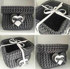 T-shirt yarn projects Diy Crochet Basket, Crochet Box, Crochet Needles, Crochet Purses, Cute Crochet, Knit Crochet, Yarn Projects, Crochet Projects, Tshirt Garn