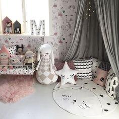 Love this corner 🙌 📷: @willieandmillie #interiør #innredning #inspirasjon #barnerom #barneinspo #barneinteriør #kidsroom #kidsinterior #kidsinspo #nursery #nurserydecor #barnrum