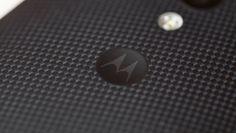 Son muchos los rumores y las habladurías que persiguen a Motorola y sus próximos pasos en el mercado móvil. Según se ha podido comprobar a través de esta nueva imagen publicada por Hellomotohk, Motorola ya tendría entre manos su nuevo y casi confirmado Moto S o Moto Shamu. La imagen es susceptible de cualquier interpretación.