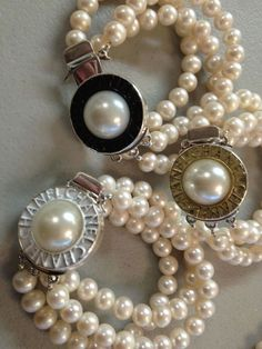 Vintage Chanel pearls for these bracelets Coco Chanel, Chanel Pearls, Chanel Jewelry, Pearl Jewelry, Vintage Jewelry, Fashion Jewelry, Pearl Earrings, Pearl Bracelets, Jewelry Necklaces