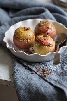 Baked apples with vanilla and cardamom scented almond stuffing :: Sonja Dahlgren/Dagmar's Kitchen