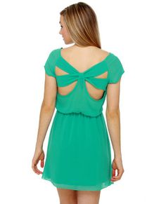 love the back of this and the color