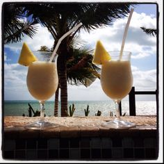 this is all I want right now, a vacation and a pina colada (and sun and sand and ocean!!)