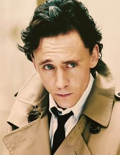 I can't believe I haven't pinned this yet. Tom Hiddleston and his cheekbones. Watch out, he my cut you though your computer/phone/kindle/ipad/etc screen. Young Tom Hiddleston, Tom Hiddleston Dancing, Thomas William Hiddleston, Loki Avengers, Loki Marvel, Face Characters, British Actors, Tom Holland, Beautiful Men