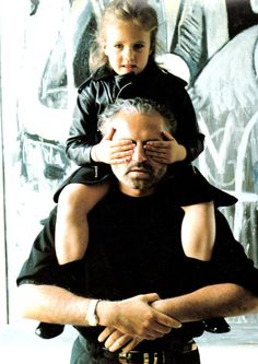 Gianni with his niece, Donatella's daughter, Allegra. In his will, Gianni left Allegra with of the company stock. She always looks so sad nowadays! Gianni Versace, Casa Versace, House Of Versace, Donatella Versace, Versace Versace, Atelier Versace, Elsa Peretti, Carolina Herrera, Outfits