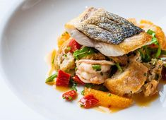 Sea bass and tiger prawn panzanella-style salad with chilli dressing (fancy food presentation dinner parties) Fish Recipes, Seafood Recipes, Cooking Recipes, Healthy Recipes, Hawaiian Recipes, Bar Recipes, Recipes Dinner, Grilling Recipes, Sea Bass Fillet Recipes
