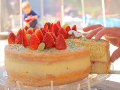 OLYMPUS DIGITAL CAMERA Naked Cakes, Olympus Digital Camera, Cheesecake, Desserts, Food, Tailgate Desserts, Meal, Cheese Cakes, Dessert