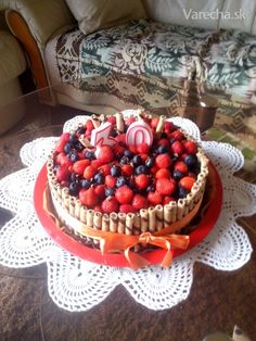 Ovocná torta Raspberry, Strawberry, Waffles, Birthday Cake, Fruit, Breakfast, Food, Morning Coffee, Birthday Cakes