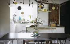 A multifunctional kitchen and dining area for friends and family to cook and socialise together