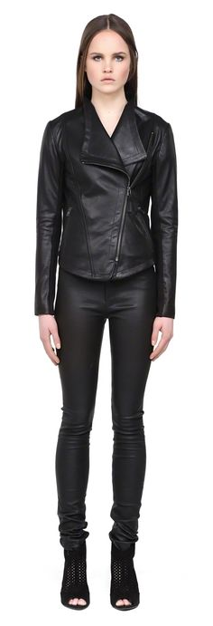 MACKAGE PINA-S5 CLASSIC BLACK LEATHER SPRING MOTO JACKET FOR WOMEN  #mackage #leather