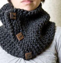 Neckwarmer Loopschal stricken – ganz einfach Easy to knit neckwarmer loop scarf Knit Or Crochet, Crochet Scarves, Crochet Hats, Knitting Patterns, Crochet Patterns, Simply Knitting, Knit Cowl, Scarf Knit, Loop Scarf