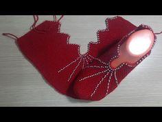 Sevgili hanımlar yine çok şık yan örülen dilimli incili patik yapımını yayınlıyorum. Bu patiğe topuk kısmından başlanıp diğer topuk kenarına kadar yan olarak Crochet Girls Dress Pattern, Crochet Shoes, Crochet Clothes, Crochet Patterns, Tunisian Crochet, Knit Crochet, Crochet Barefoot Sandals, Beaded Cross Stitch, Knitted Slippers