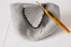 Amigurumi Owl Making - Amigurumi - Crochet Owl Pillows, Crochet Birds, Crochet Animals, Owl Crochet Pattern Free, Crochet Basket Pattern, Knitting Patterns, Knitted Owl, Knitted Hats, Crochet Poncho