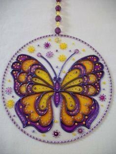 Dot Art Painting, Mandala Painting, Mandala Art, Cd Recycling, Old Cd Crafts, Recycled Cds, Cd Diy, Butterfly Drawing, Faux Stained Glass