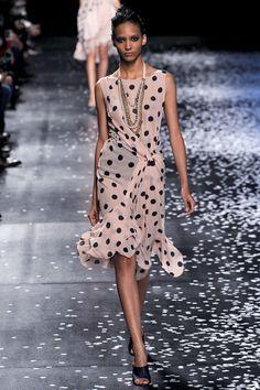 Cora Emmanuel au défilé Nina Ricci printemps-été 2013 http://www.vogue.fr/mode/cover-girls/diaporama/le-top-cora-emmanuel-en-50-looks/10398/image/640991#defile-nina-ricci-printemps-ete-2013