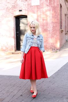 ideas skirt red midi outfit for 2019 Red Skirt Outfits, Red Skirts, Modest Outfits, Simple Outfits, Boho Outfits, Fashion Outfits, Fashion Fashion, Casual Outfits, Fashion Tips