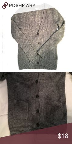 Chunky Knit Ribbed Gap Cardigan Gray chunky knit ribbed gray cardigan. Excellent, like new condition. No snags or holes. Pockets in front. GAP Sweaters Cardigans