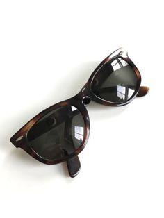 af51a8f9e0 Vintage USA RAY BAN Sunglasses WAYFARER B L 5022 TORTOISE RX  gozluk   glasses  desenligozluk  okumagozlugu  amerikapaketim  amerikadaniste  amazon   ebay ...