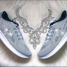 Swarovski Nike Free RN 2016 Women s Shoes in Grey Authentic Women s New Nike  Free RN 2016 in Light Grey! Style  831509-101. Ready to ship within 5 days! 3b85fec6f
