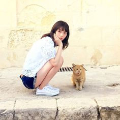 Asian Squat, Best Photo Poses, Instagram Influencer, Japan Girl, Japanese Models, Pop Singers, Kawaii Cute, Pose Reference, Pretty Face