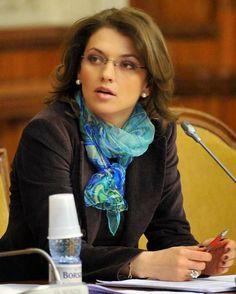 Prahova politica: Alina Gorghiu: Hai sa facem alegeri!
