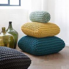 giant crocheted pillows ~~Nice square Poufs!!@Karen Jacot Jacot for Kyle!!