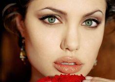 Aprenda com especialistas a deixar seus lábios mais volumosos com truques simples ou com técnicas estéticas mais avançadas Nada mais atrativo do que lábios belos e bem cuidados. Com inúmeras opções…