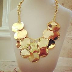 Gold-plated circles layered necklace