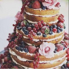 Like this naked cake design too