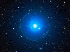 Der Stern des Tages:  PPM 92012 im Sternzeichen Widder:    Er ist 159 Lichtjahre von uns entfernt und strahlt 71.6 mal heller als unsere Sonne.    Quelle: www.sterntaufe-express.de