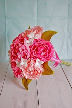 Gorgeous #paper #peonies and bunches of paper daisies   Paper Flowers Handmade Tutorials DIY