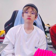 Find images and videos about cute, kpop and exo on We Heart It - the app to get lost in what you love. Chanbaek, Baekyeol, Exo Ot12, Baekhyun Chanyeol, Park Chanyeol, Luhan And Kris, Xiuchen, Kim Minseok, Exo Memes