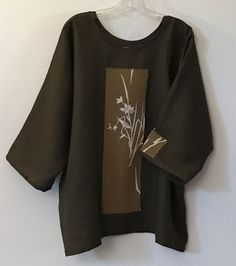 one of the kind wearable art olive kimono silk motif brown linen top by Anny Schoo Kimono Fashion, Diy Fashion, Fashion Dresses, Fashion Design, Origami Fashion, Fashion Details, Motif Kimono, Kurti Embroidery Design, Japanese Outfits