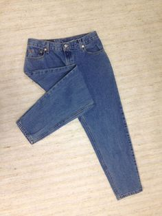 LEVIS 550 VINTAGE RELAXED FIT TAPERED Sz 12 PETITE JEANS ACTL 30x27 1/2 USA C37 #Levis #VintageVintageTaperedRelaxed