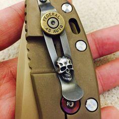 20 ชั่วโมงที่แล้ว Steel flame Sterling Darkness skull & .45ACP shell case clip  #hinderer #xm24 #xm18 #pocketclip #Titanium #knifeclip #deepcarry #knife #knives #knifeporn #skullfiller #hindererxm24 #hindererknife #hindererknives #rickhinderer #knifeart #hindererherd