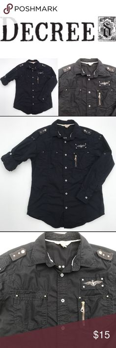 🍂men's military style roll cuff black shirt med Men's DECREE 100% cotton military inspired button front shirt. Roll up sleeves with snap, front patch pockets with zipper detailing, embellished shoulder epaulettes, top stitch detailing. Decree Shirts Casual Button Down Shirts