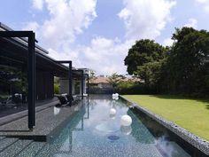 arquitectura moderna en impactante casa