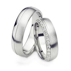 Wedding band set titanium ring Diamond by TorkkeliJewellery 887
