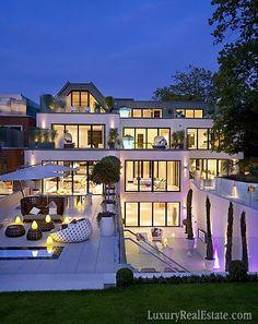 Multi level dream #Home with large rectangular windows