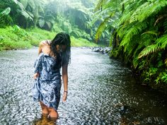 Ie lavalava Samoa Tahiti French Polynesia, Polynesian Islands, Local Girls, South Pacific, Old Photos, The Dreamers, Scenery, Beach, Nature