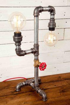 LA danseuse, Vintage style, Edison ampoules, éclairage industriel, Steampunk, lampe, lampe de Table, lampe de bureau, tuyau de fer léger, style urbain chic, rustique