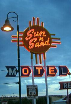Sun 'n Sand Motel, retro neon sign, Route New Mexico Old Neon Signs, Vintage Neon Signs, Old Signs, Advertising Signs, Vintage Advertisements, Route 66, Station Essence, Neon Nights, Googie