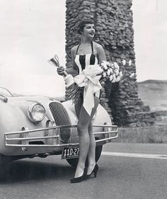 Miss Dangerous Curves of 1954 - a Miss Helen Fleming from Colorado, who reigned over the Buffalo Bill mountain hill climb for sports cars on August & E Type, Beauty Pageant, Looks Cool, Beauty Queens, Vintage Beauty, Pin Up Girls, Car Girls, Colorado, Beautiful
