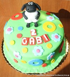 Shaun the sheep Cupcake Cakes, Cupcakes, Shaun The Sheep, Birthday Cake, Desserts, Tailgate Desserts, Cupcake, Birthday Cakes, Deserts