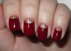 Zoendout Nails, 11/28/12: Gold Leaf Half Moon