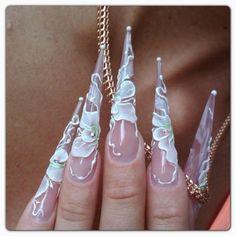 Hermosas uñas esculturales